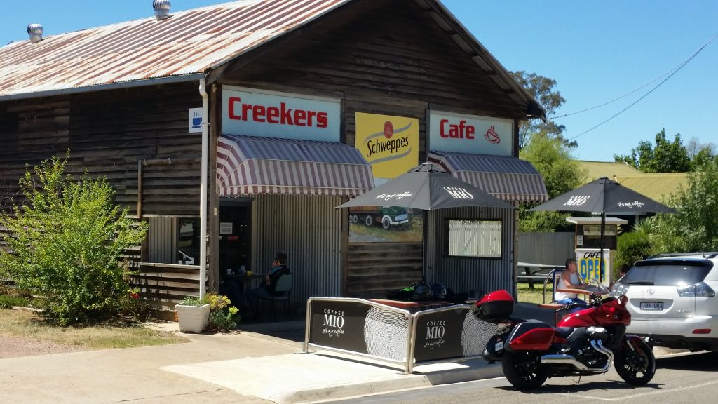 A popular cafe at Swifts Creek